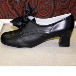 Zapatos negros tacón carrete