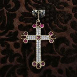 Cruz de plata y circonitas roja y rosa